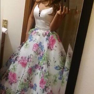 Amazing Ball dress ✨